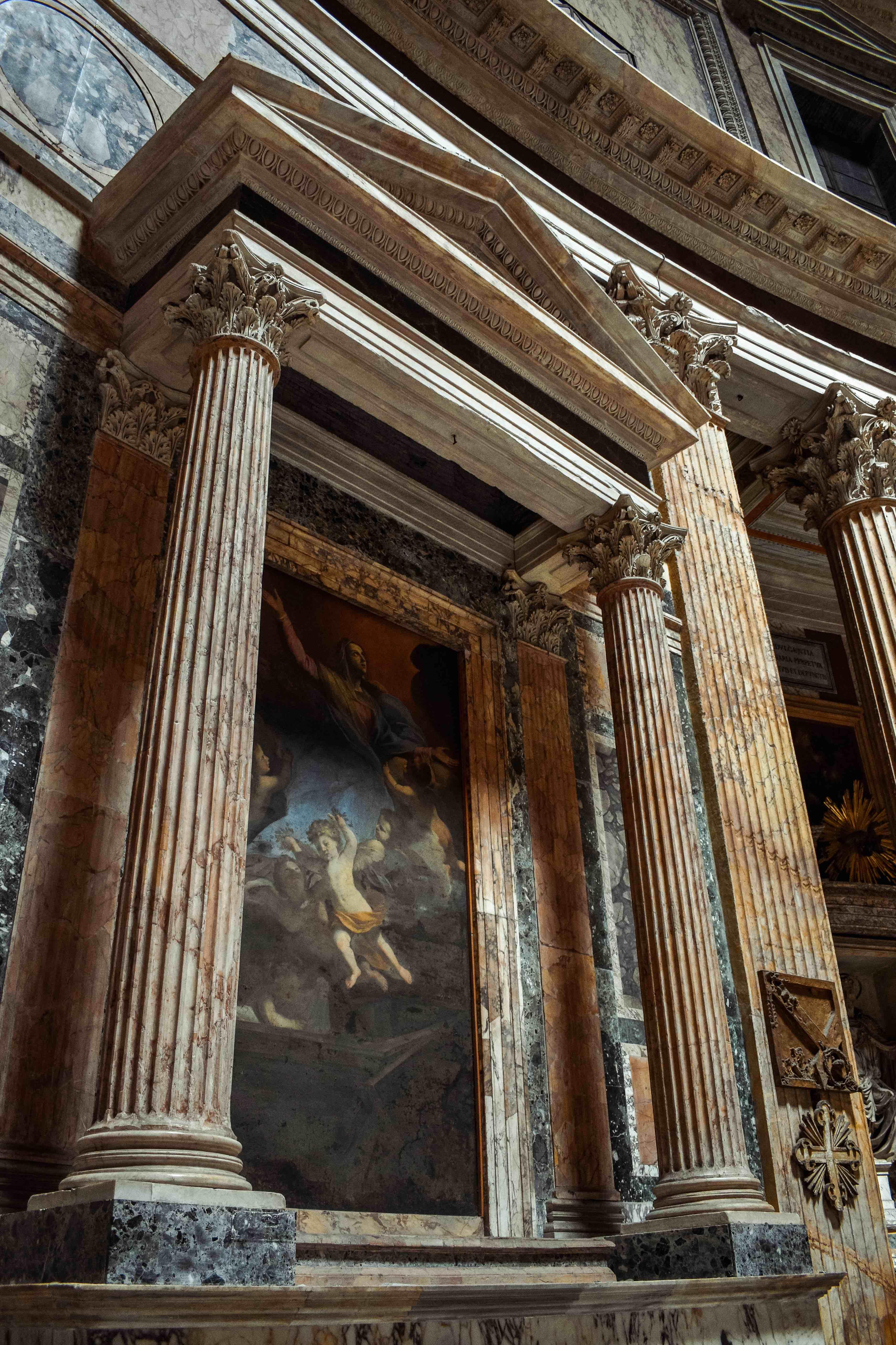 Spending money in Rome. Pantheon.