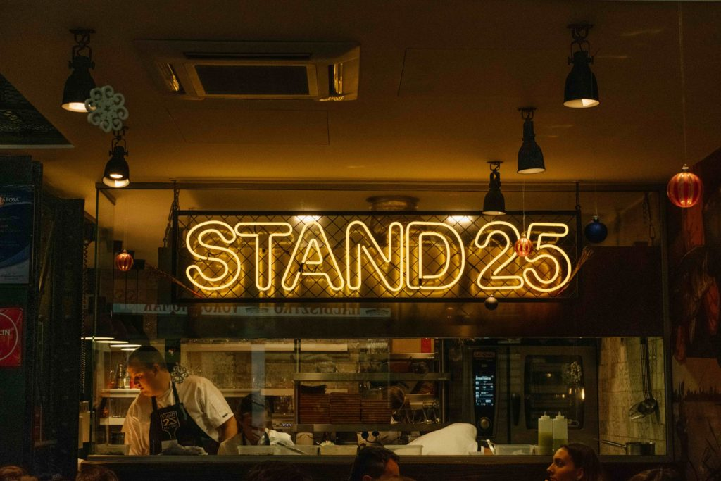Budapest Travel Guide Stand25 Bistro