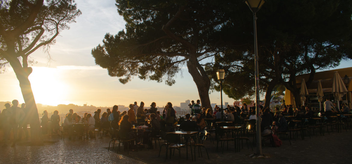 Best bars and restaurants in Graca Lisbon